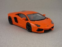Lamborghini Aventadore orange par Look Smart
