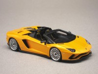 Lamborghini Aventador S Roadster New Giallo Orion (LookSmart) 1/43e
