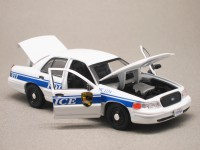 Ford Crown Victoria Interceptor McGyver 2016 (Greenlight) 1/43e