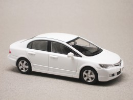 Honda Civic 2006 blanche (First:43) 1/43e