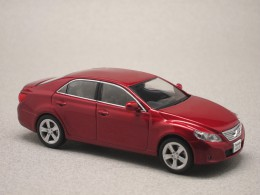 Toyota Mark X rouge (First:43) 1/43e