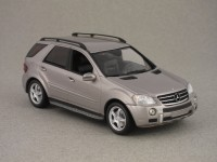 Mercedes ML 63 AMG par Minichamps