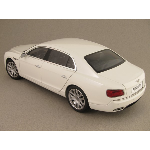 Bentley Flying Spur 2013 (Kyosho) 1/18e